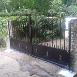portail en acier galvanisé et thermolaqué