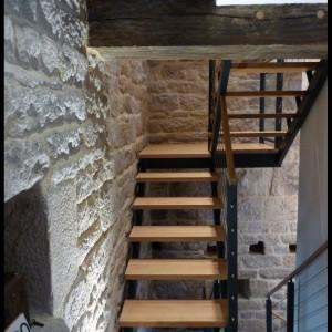 escalier limons latéral, marche chêne