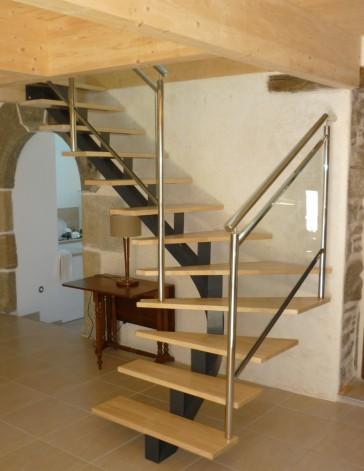 escalier limon central, version-métal brest plabennec lesneven bourg-blanc pouguerneau