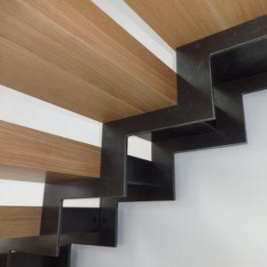 Version-metal-Plouguerneau-marches-bois-escalier--metal-marches-verre--bohars-brest-lesneven-lannilis-plouescat-guipavas (9)