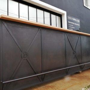 agencement-interieur-sur-mesure-mobilier-metal-bois-comptoir-de-bar-version-m'tal-plouguerneau-landeda-lannilis-brest-bohars-gouesnou-lesneven-plouescat-brignogan-(3)
